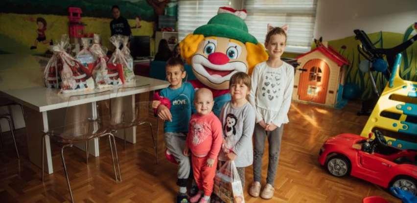 Euroexpress uručio paketiće mališanima na UKC i Roditeljskoj kući Iskra (Foto)