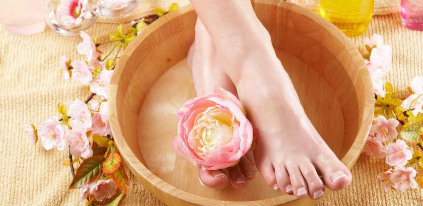 Uživajte u potpunom ugođaju uz Herbal spa deluxe manikir i pedikir