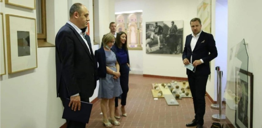 Grad Sarajevo i EU obezbijedili opremu za muzejski prostor u Vijećnici