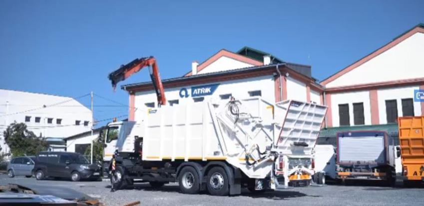 Vozilo za sakupljanje i odvoz otpada Atrik