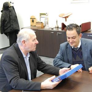 Ambasada Turske donirala 200 knjiga Gazi Husrev-begovoj biblioteci