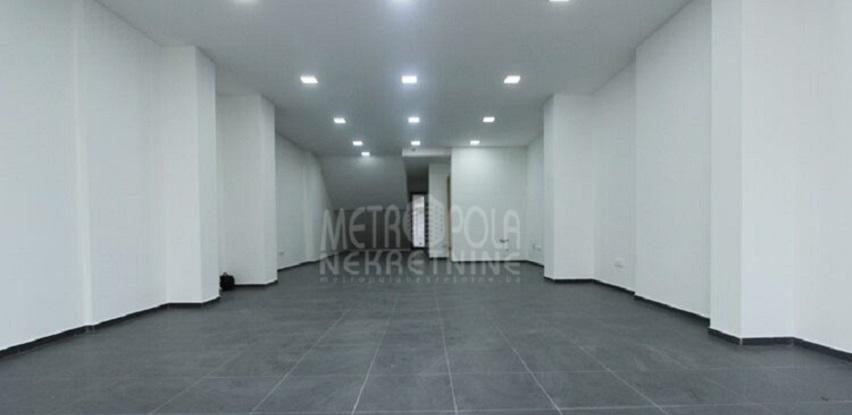 Višenamjenski poslovni prostor u prizemlju, Stup-Izvor