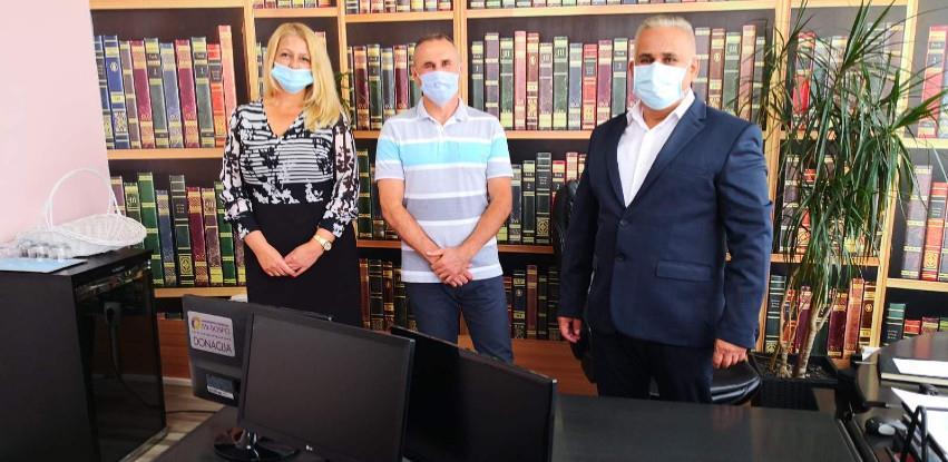 MI-BOSPO donira računare u škole na području svog djelovanja (Foto)