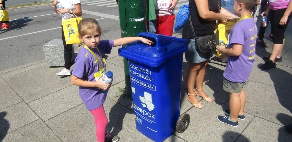 """Utrka """"Djevojke na trčanju"""" promovisala zdrave navike i važnost reciklaže"""