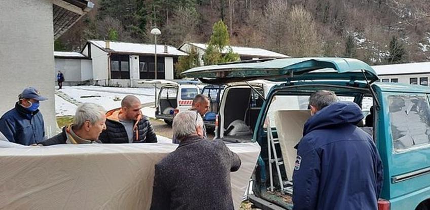 Grad Zenica donirao udruženjima krevete i opremu za smještaj