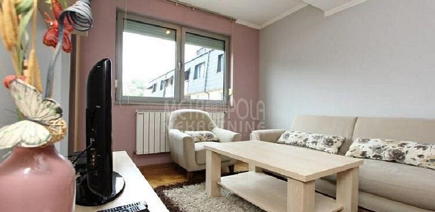 Lijepo uređen, dvosoban stan u zgradi novije gradnje