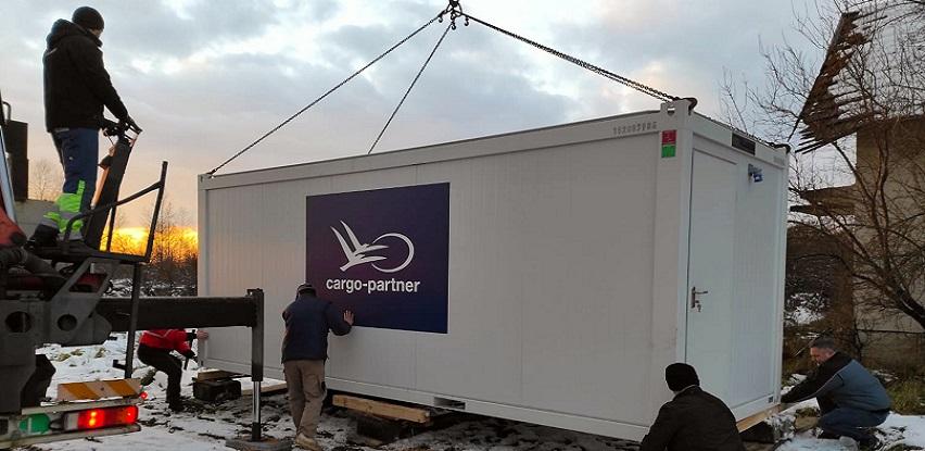 Kompanija cargo-partner donira mobilne kućice za žrtve zemljotresa u Hrvatskoj