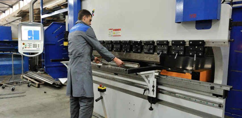 UNIS-TŠP koristi napredne CNC mašine za savijanje lima