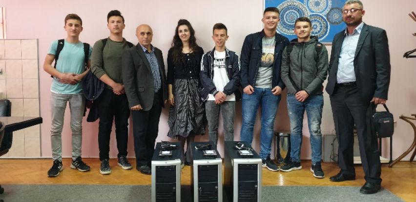 Partner donira i edukuje gračaničke srednjoškolce