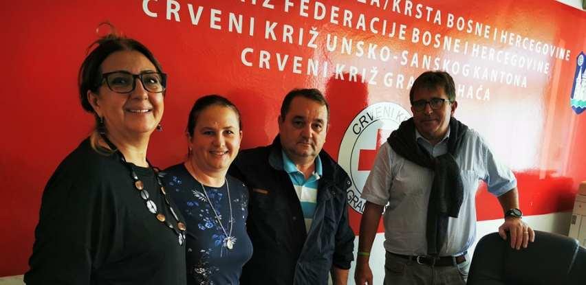 """Centar """"FENIX"""" uplatio donaciju Crevnom križu za nabavku hrane na Vučjaku"""