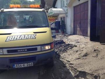 BIHAMK pomaže građanima poplavljenih područja u BiH