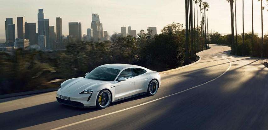 Promocija Porsche Taycan 4 Cross Turismo