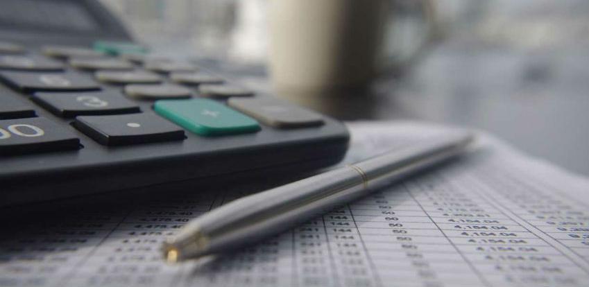 Obračun plaća i ostalih isplata prepustite stručnjacima