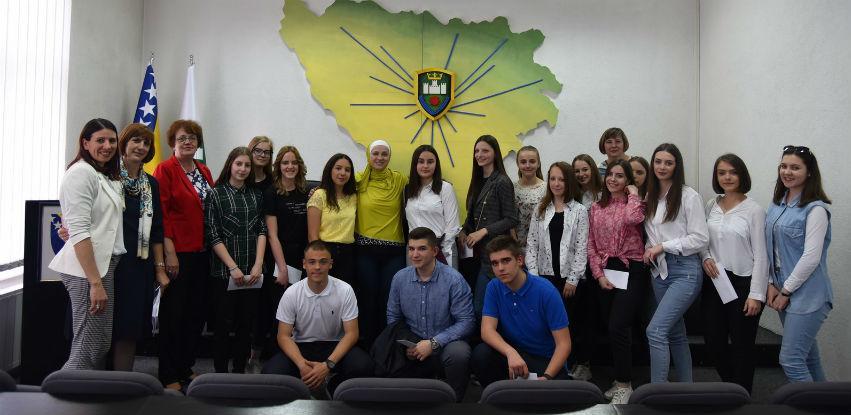 Načelnica Općine Visoko uručila stipendije nadarenim učenicima
