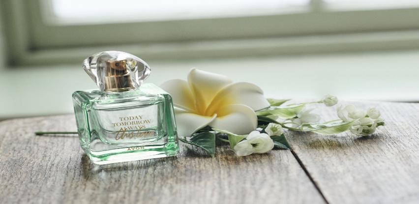 Ovog proljeća Avon vraća romantiku u mirise
