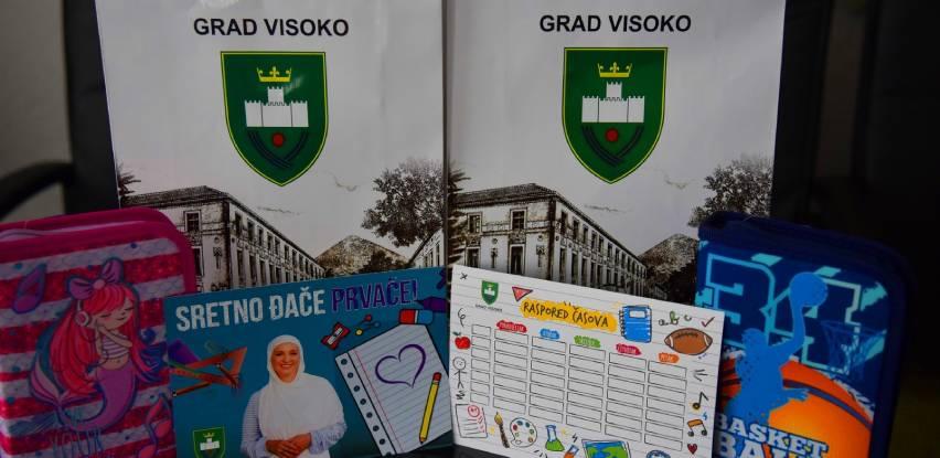 Gradonačelnica Babić pernicama obradovala đake prvake