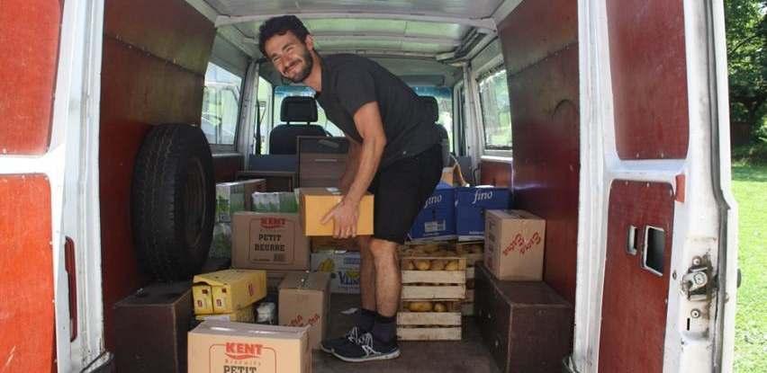 Centar Fenix uručio donaciju organiziciji koja pomaže migrantima