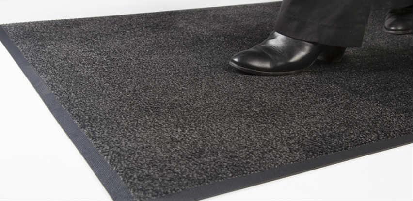 iDekor u ponudi ima visoko kvalitetne tekstilne otirače sa gumenom podlogom