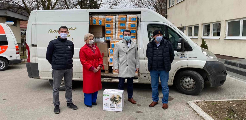 Domu zdravlja Visoko uručeni aparat za kisik i dezinfekciona sredstva