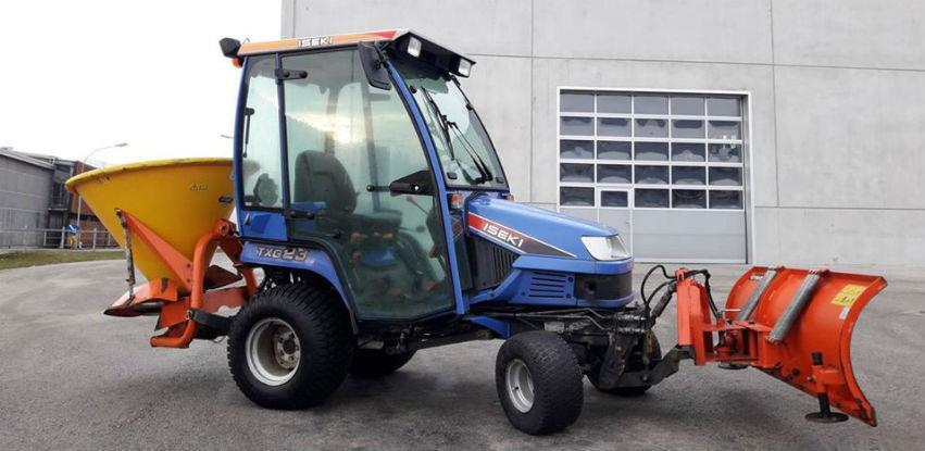 Polovan traktor za zimsku službu u ponudi SV Company